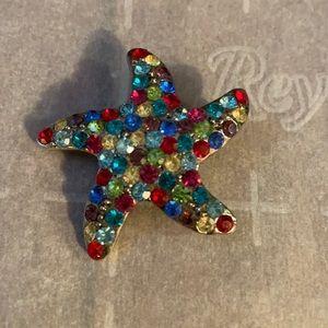 Faux women's starfish brooch
